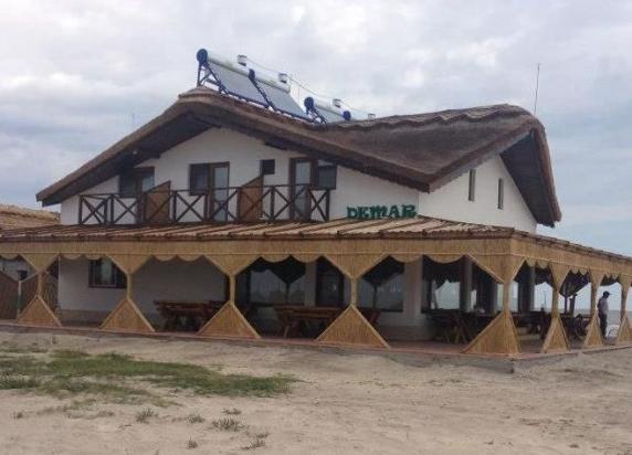 Hotel ilegal în zona strict protejată a Rezervației Biosferei Delta Dunării