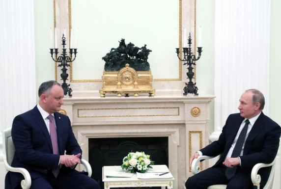 Putin şi-a bătut joc de Dodon. Incidentul care arată raportul de forţe între Rusia şi Moldova